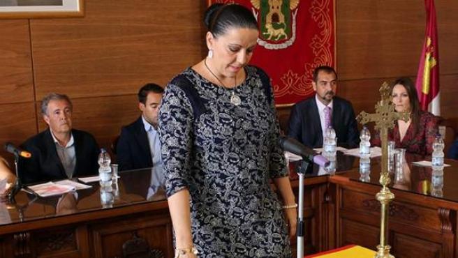 La senadora del PP Juliana Fernández de la Cueva, en su toma de posesión, comparecerá ante el Tribunal Supremo por retirar multas a cuatro ciudadanos y para responder de un delito de prevaricación.