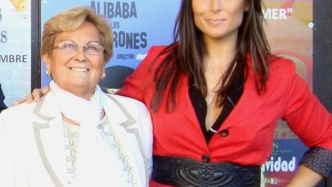Rosa López (d), con Borrego