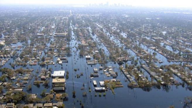 Imagen de la devastación en Nueva Orleans tras el Katrina en 2005. Situada bajo el nivel del mar, la ciudad permaneció inundada tiempo después del paso del huracán