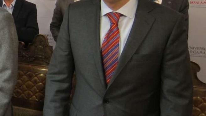 El Alcalde De Salamanca En Su Visita A La USAL