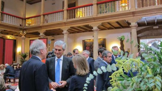 Invitados a los Premios Princesa de Asturias, Miguel Ángel Revilla y Adolfo Suár