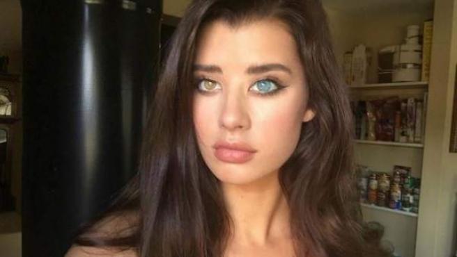 Sarah McDaniel es una modelo americana que arrasa con sus ojos de dos colores.