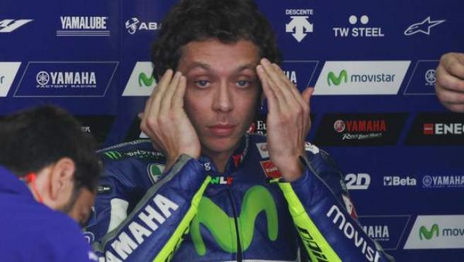 El piloto italiano Valentino Rossi, durante un descanso del GP de Malasia.