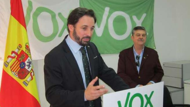 El presidente de Vox España, Santiago Abascal, en la nueva sede de Salamanca