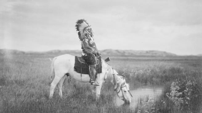Foto de Edward S. Curtis, el más prolífico de los fotógrafos de los indios de norteamérica