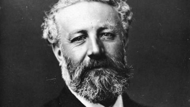 Retrato del escritor Julio Verne por Félix Nadar.