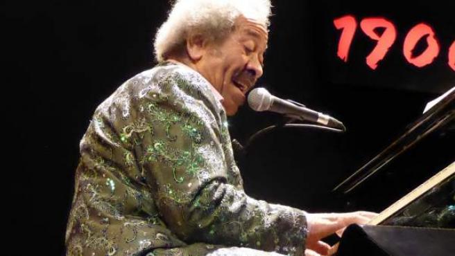 El músico Allen Toussaint, en el concierto ofrecido en el Teatro Lara, este lunes.