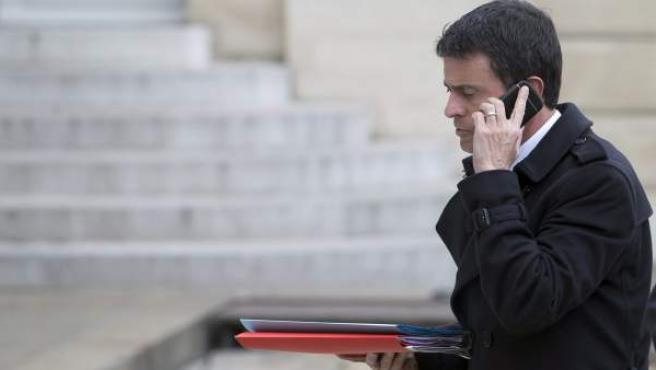 El primer ministro Manuel Valls, a su llegada a una reunión al Palacio del Elíseo.