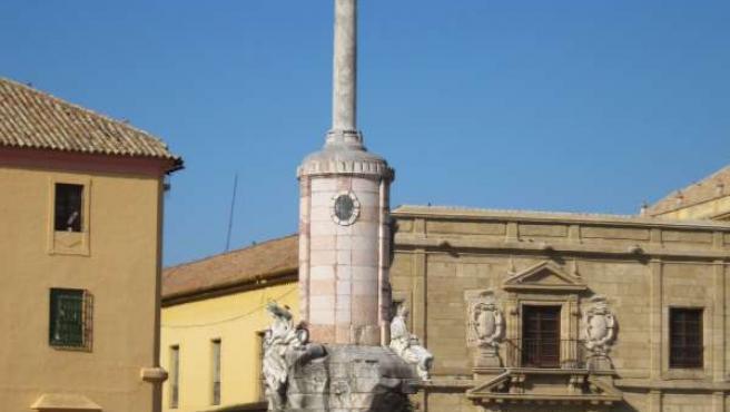 Monumento y plaza del Triunfo de San Rafael, junto a la Mezquita