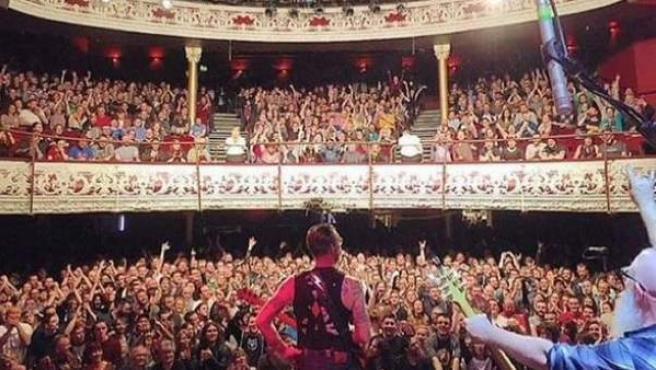 Foto de una sala de conciertos de Dublín que circuló durante horas en Internet como si se tratara del interior de la sala Bataclan.