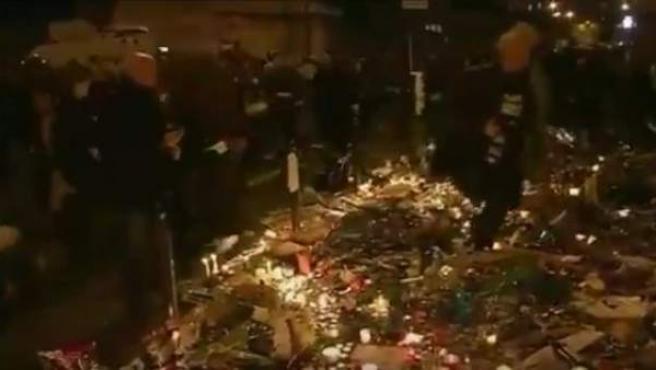 Una bombilla rota provocó una estampida en París.