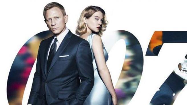 Daniel Craig y Léa Seydoux en un póster promocional de 'Spectre'