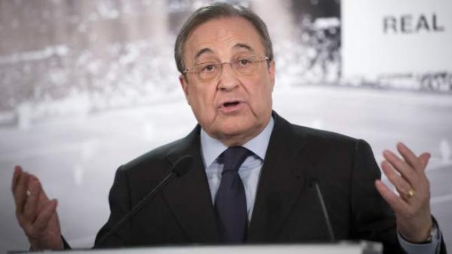 Florentino Pérez en comparecencia ante la prensa.