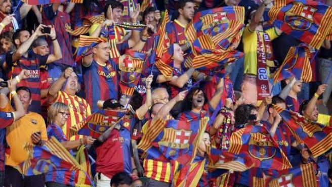 Aficionados del Barça luciendo las esteladas en la final de Champions contra la Juventus.