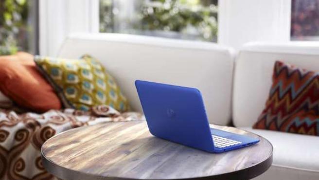 Ordenador tecnología oficina casa hombre HP PC monitor portátil