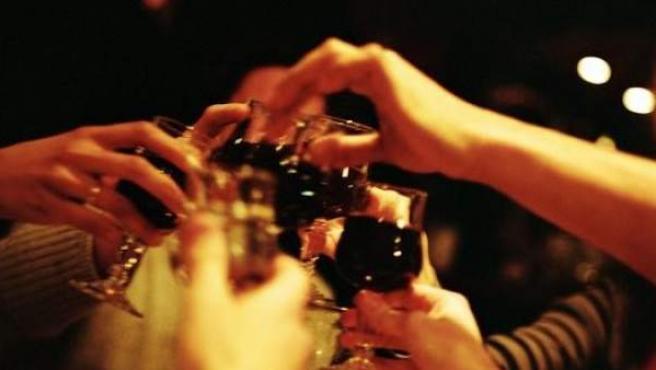 Las fiestas navideñas son proclives al consumo de alcohol.