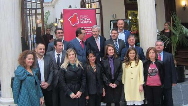 Garicano con el equipo de Ciudadanos en Murcia