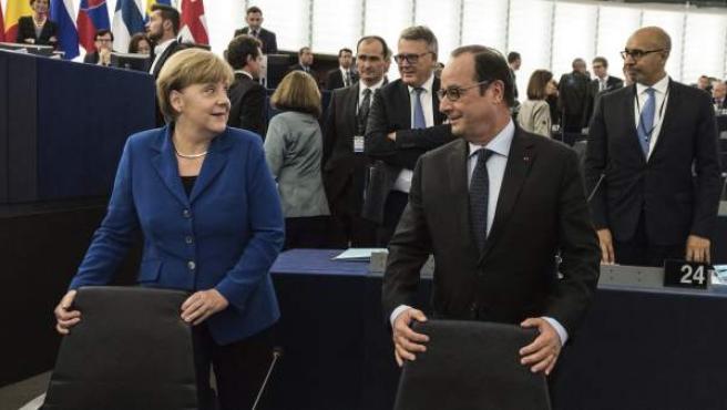 Angela Merkel y François Hollande, en la Eurocámara.
