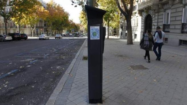 La restricción del aparcamiento en la zona azul ha dejado vacías el 80% de las plazas.
