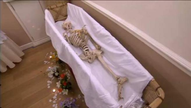 Funeral del esqueleto empleado en el centro Haydock High School de Reino Unido.