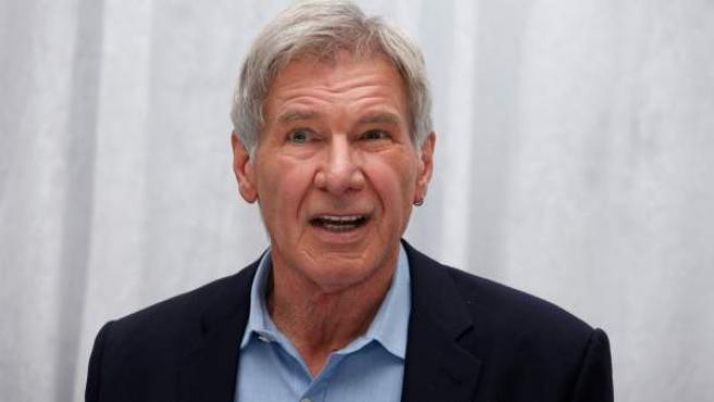 El actor estadounidense Harrison Ford, atendiendo a los medios de comunicación.