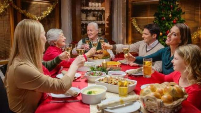 Cena de navidad. Comida navideña. Familia. Noche Buena.