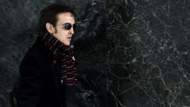 El cantante José Ramón Márquez, Ramoncín, a su llegada a la Audiencia Nacional para responder ante el juez Pablo Ruz como imputado por haber facturado supuestamente a la SGAE 170.552 euros de manera irregular o por servicios inexistentes.