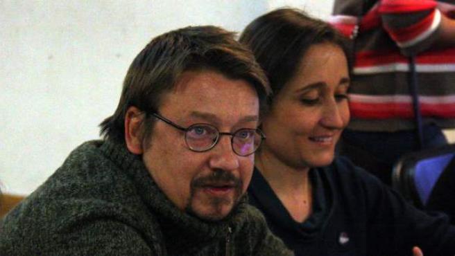 El candidato de En Comú Podem, Xavier Domènech, con su equipo de campaña.