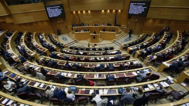 Vista general del pleno del Senado en la votación del proyecto de ley orgánica de reforma del Tribunal Constitucional para la ejecución de sus resoluciones como garantía del Estado de Derecho.