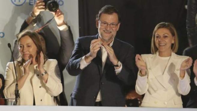 El líder del Partido Popular, Mariano Rajoy, compareció ante la prensa desde el balcón de la sede del partido en la madrileña calle Génova.