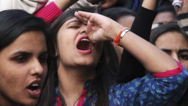 Protesta por la liberación de un violador en India.