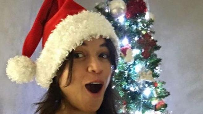 La actriz Michelle Rodríguez colgó esta imagen en Facebook donde dejaba ver el vello de sus axilas.