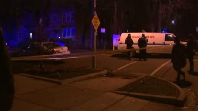 Imágenes de televisión captadas tras la muerte de dos personas de raza negra en Chicago.