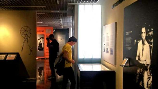Visitantes del Museo Miguel Hernández-Josefina Manresa.