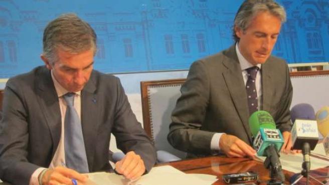 El alcalde de Santander, Íñigo de la Serna, y el concejal César Díaz
