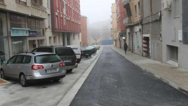 Finalizadas las obras de remodelación de la calle Estudios de Monzón (Huesca).