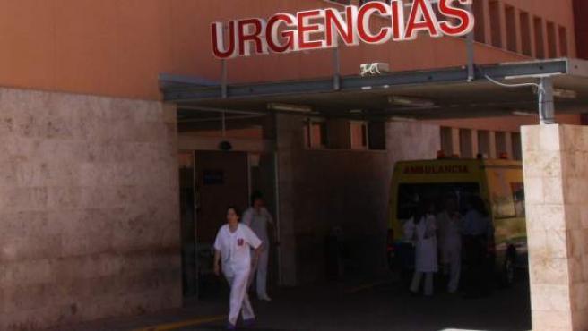 Entrada de Urgencias del hospital Virgen de Altagracia de Manzanares, en Ciudad Real.