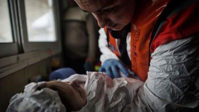 Un bebé de tres meses viajaba en una de las embarcaciones que llegó a Grecia.