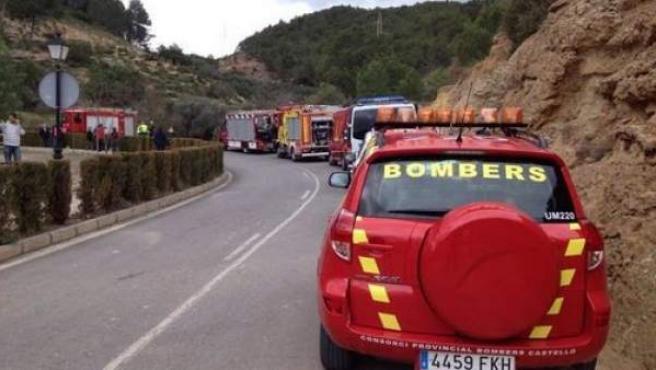 Imagen de los efectivos de bomberos en el lugar cdel accidente de El Tormo, Cirat, Castellón.