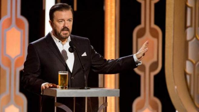 Ricky Gervais, durante la gala número 73 de los Globos de Oro.