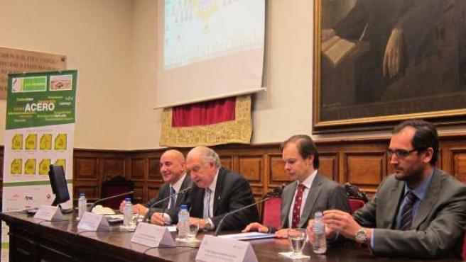 Presentación del Polo del Acero en la Universidad de Oviedo