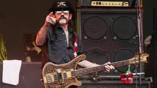 Lemmy Kilmister durante un concierto de Motörhead