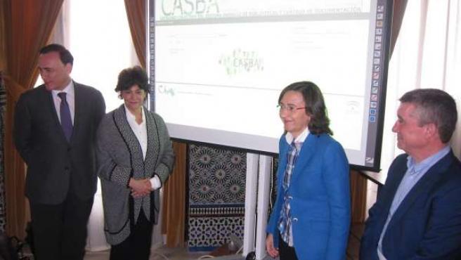 Rosa Aguilar en la presentación del catálogo