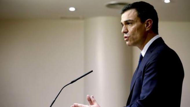El secretario general del PSOE, Pedro Sánchez, durante la rueda de prensa en el Congreso.