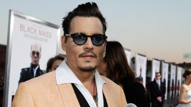 Johnny Depp vuelve a la droga en 'Triple Frontier'