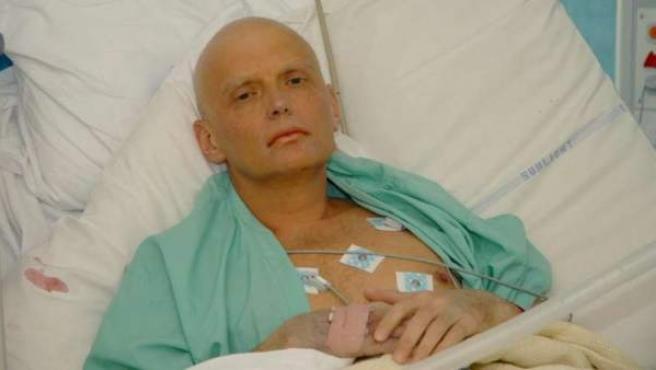 El exagente ruso Alexander Litvinenko en noviembre de 2006, ya moribundo, en un hospital de Londres.
