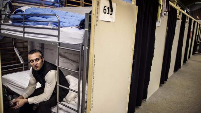 Un refugiado en un campamento de refugiados en Thisted al norte de Jutland en Dinamarca.