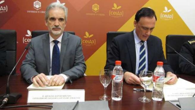 El consejero de Salud junto al rector de la UCO