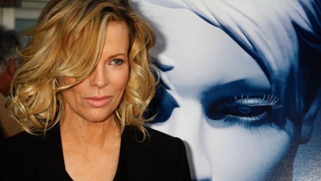 Kim Basinger se apunta a la secuela de 'Cincuenta sombras de Grey'