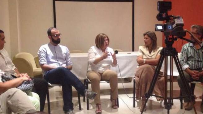 Reunión de Rosario Cordero con departamentos de Uruguay